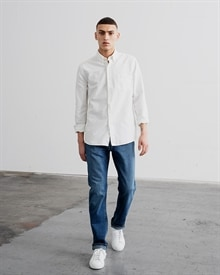 1-adaysmarch-dyed-oxford-off-white00-aw10