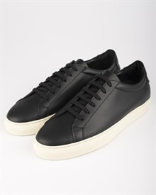 marching-sneaker-black-leather-1