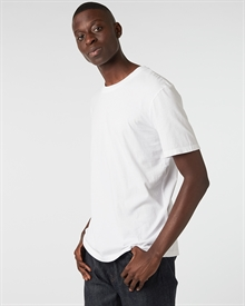 classic-fit-tee-white+denim2-raw0487-1