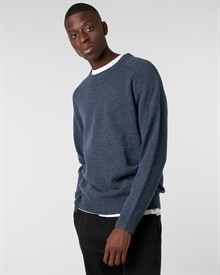 james-shirt+lambswool-crew-navy+twill-cropped-pant-black2283-1