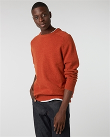 lambswool-crew-fire+denim2-raw0962-1