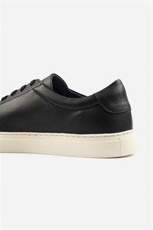 marching-sneaker-black-off-white-66