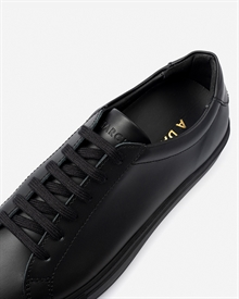 marching-sneaker-black_black-8