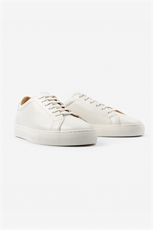 marching-sneaker-off-white-leather-packshot-2_1_1
