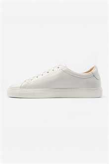 marching-sneaker-off-white-leather-packshot-3_1_1