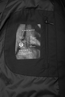 puffer-jacket-black-packshot-2