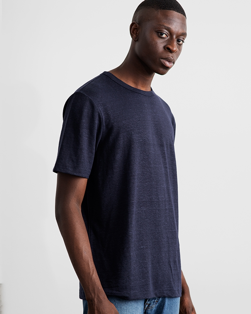1-adaysmarch-linen-tee-NAVY-6