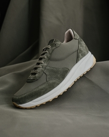 dailyrunner-olive-signed2