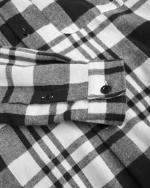 heavy.-flannel-shirt-black-white-4