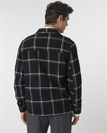 jan-checked-overshirt-black11912-5