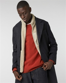 lambswool-crew-fire+mateo-vest-beige+classic-coat-checked1077-new-4