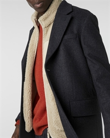 lambswool-crew-fire+mateo-vest-beige+classic-coat-checked1080-new-5