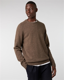 lambswool-crew-taupe+wool-trouser-navy1531-1