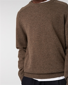 lambswool-crew-taupe+wool-trouser-navy1549-3