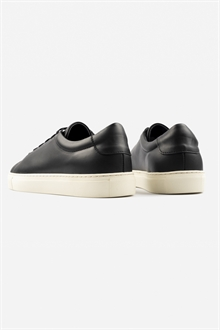 marching-sneaker-black-off-white-33