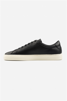marching-sneaker-black-off-white-44