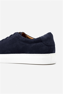 marching-sneaker-navy-suede-66