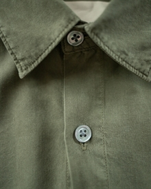 patch-pocket-tencel-shirt-olive-product-1