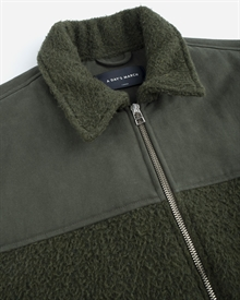 shoulder-patch-zip-jacket-seaweed-green-2