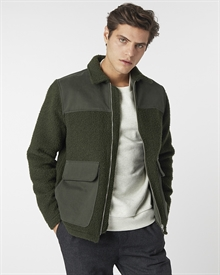 shoulder-patch-zip-jacket-seaweed-green9591-3