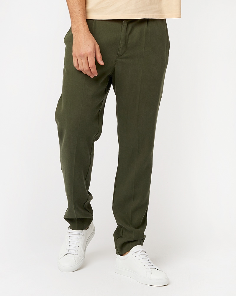 loke-tencel-trousers-dark-olive-1