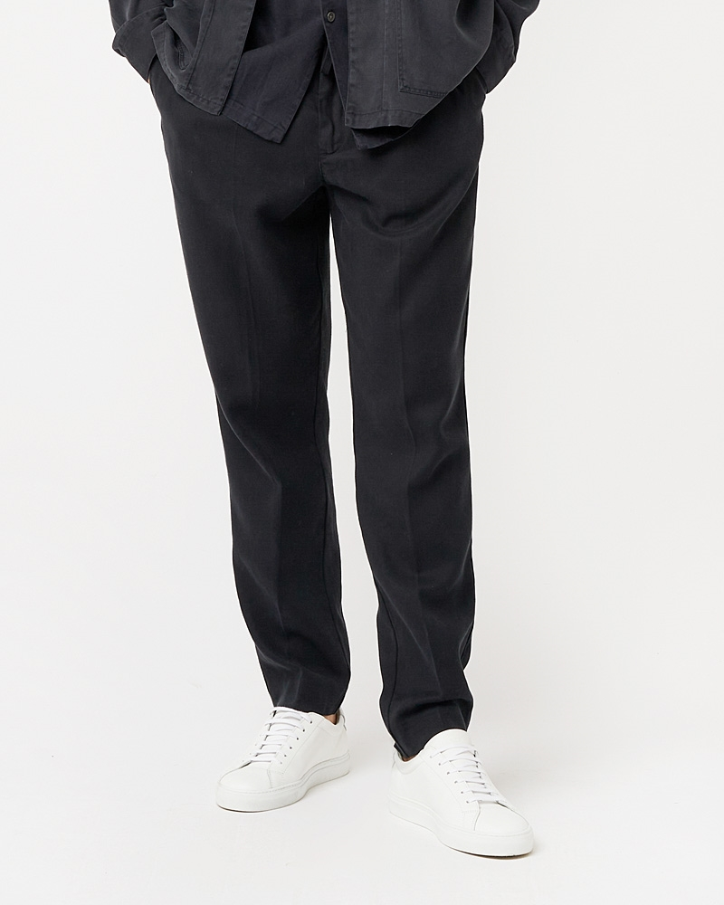 loke-tencel-trousers-navy-1
