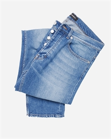1-adaysmarch-denimno1-vintage-wash-2