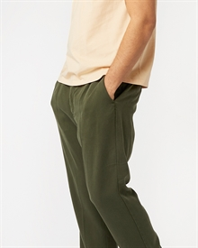 loke-tencel-trousers-dark-olive-2