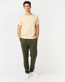 loke-tencel-trousers-dark-olive-3