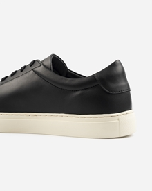 marching-sneaker-black-off-white-6